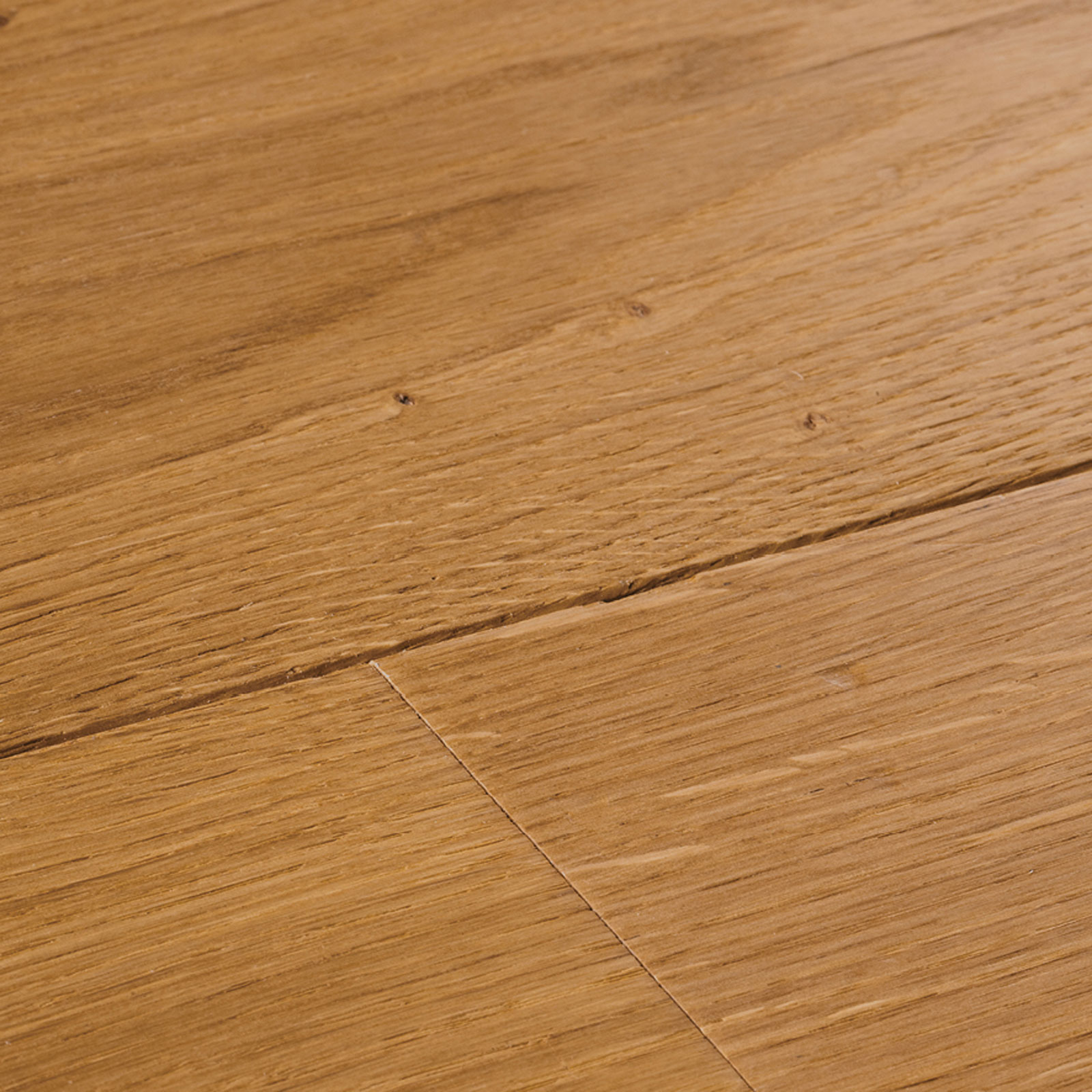swatch-cropped-chepstow-distressed-natural-oak-1600