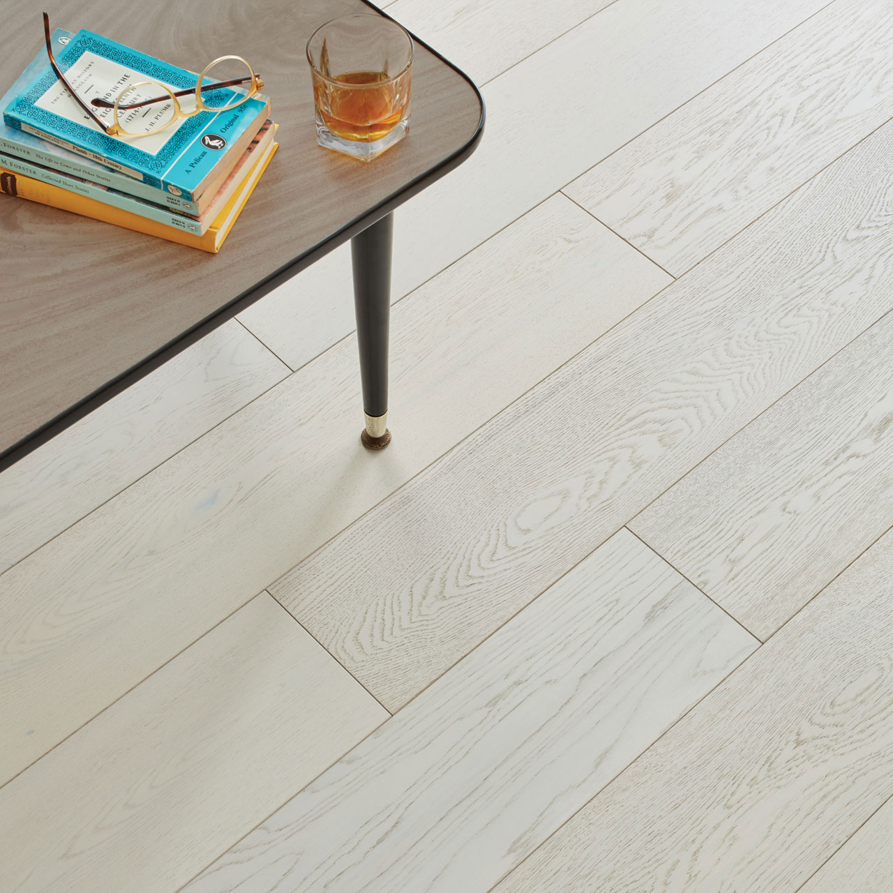 product-engineered-wood-salcombe-chalked-detail