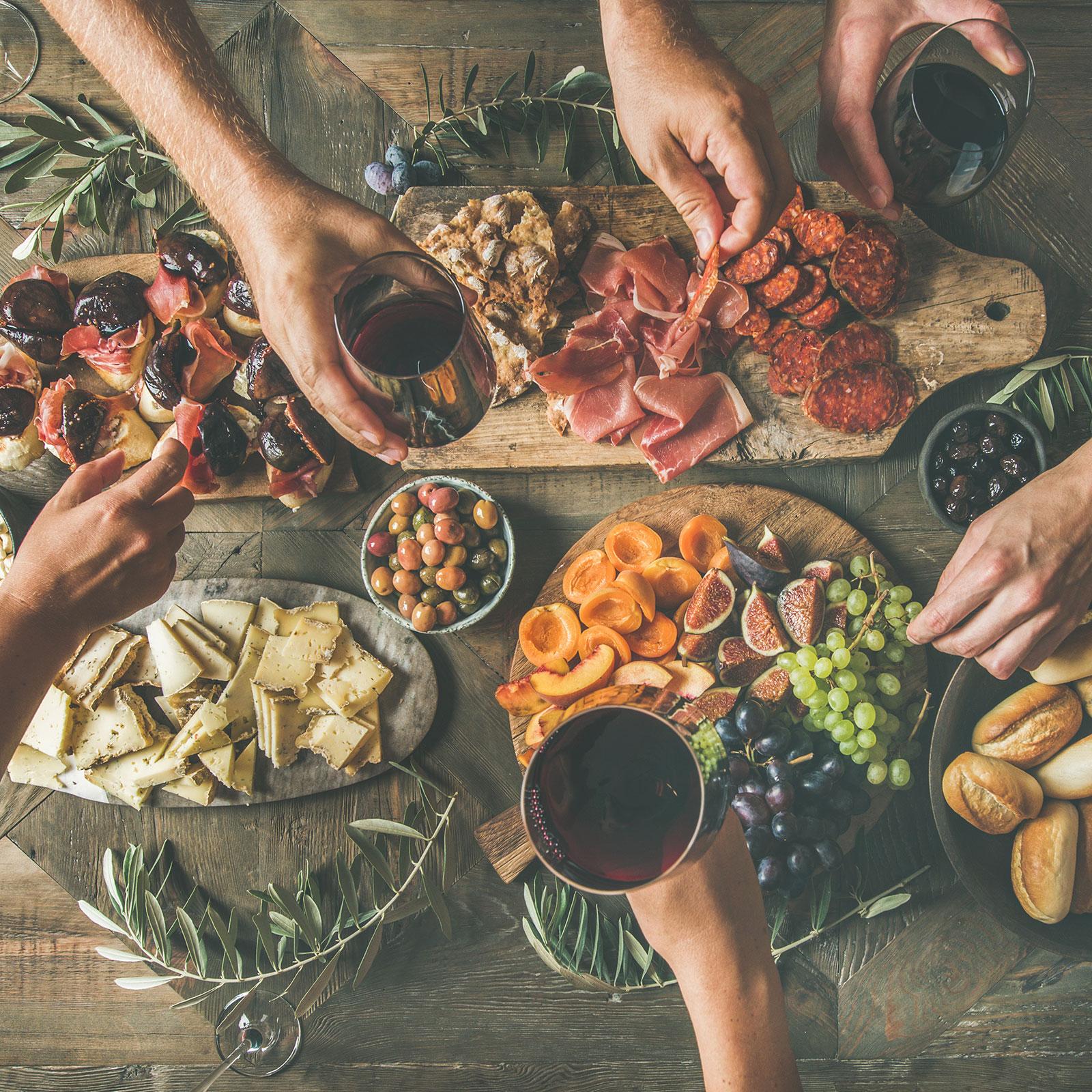 glad & hälsosam hemma grupp äta