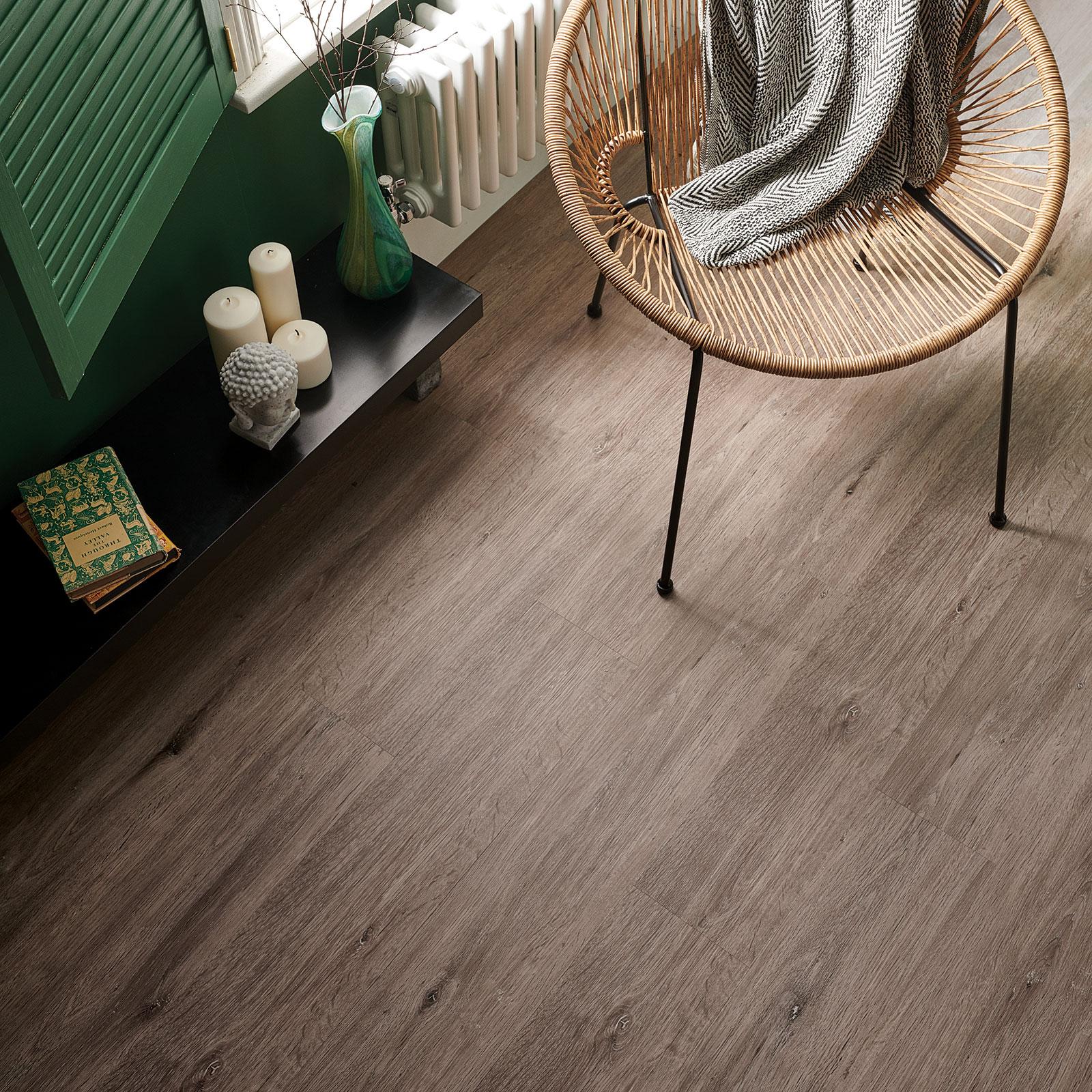 ideer til badeværelse gulv flod egetræ