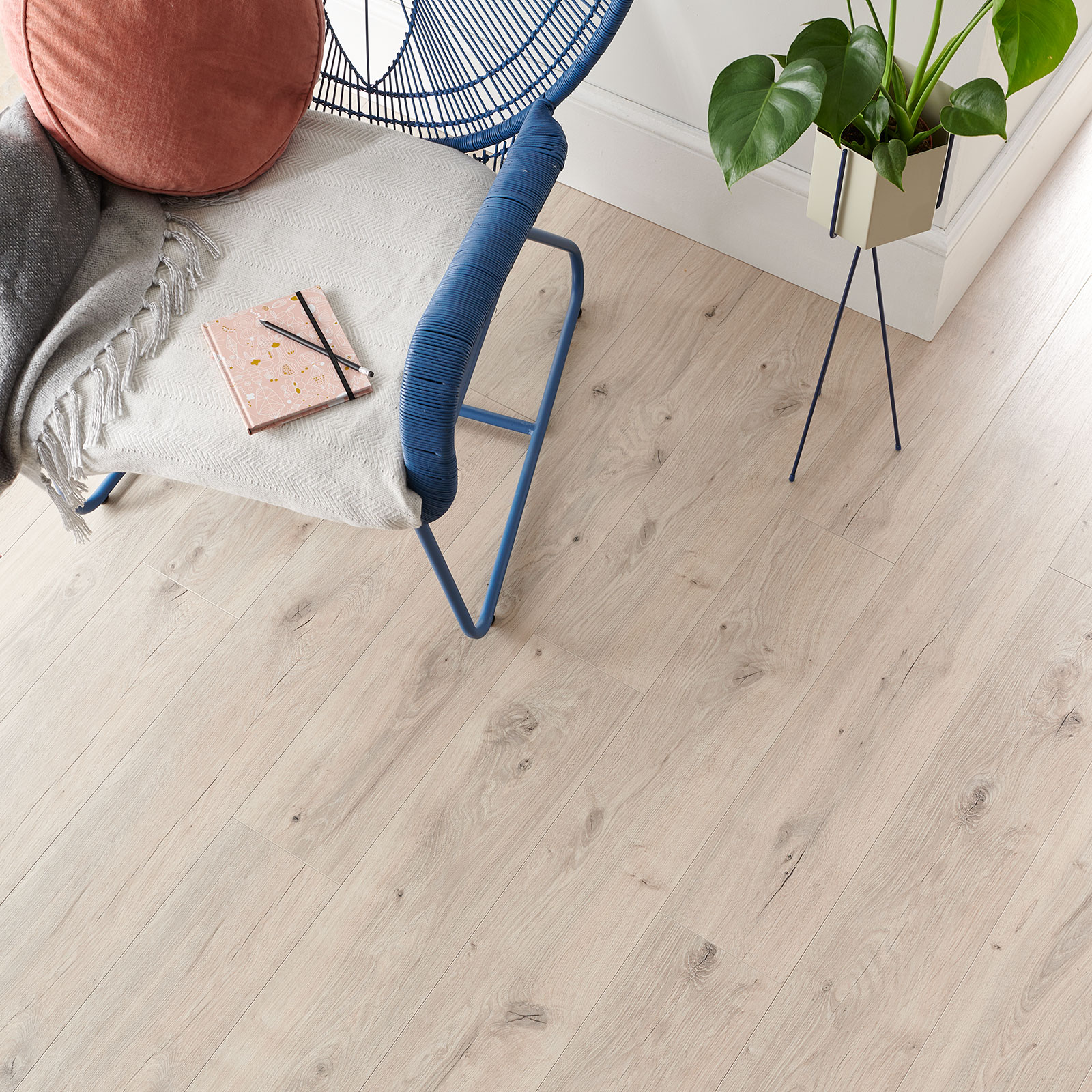 pale wood flooring frosted oak
