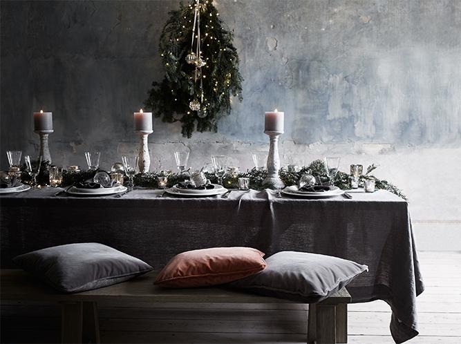 Juleborddekor i gråtoner