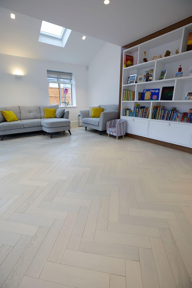 hvide egetrægulve i stuen
