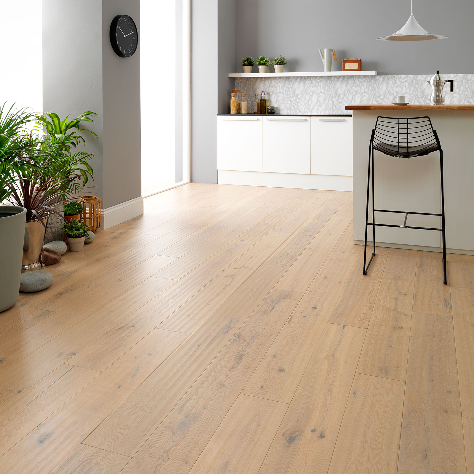 8 Things to Consider when Specifying Kitchen Wood Flooring